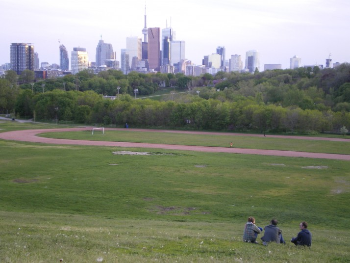 Broadview Park - Skyline Toronto
